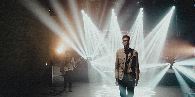 """""""Pra sempre"""", de Eliezer de Tarsis, ultrapassa 100 mil streamings no Spotify e recebe versão em vídeo"""